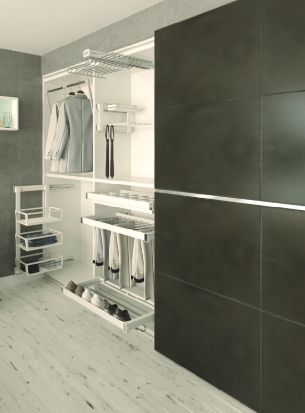 Výsuvný program do ložnice a prádelny